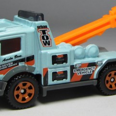 MB839 Urban Tow Truck