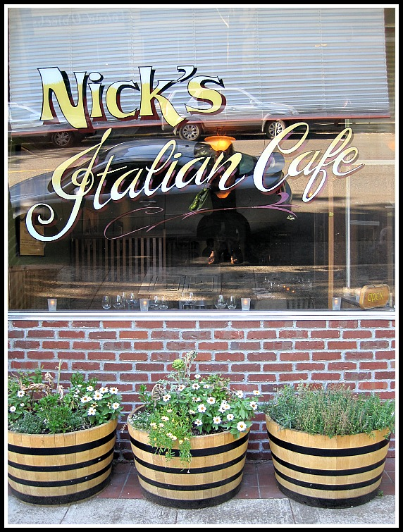 A visit to Nicks Italian Cafe and their famous recipe for Minestrone Soup