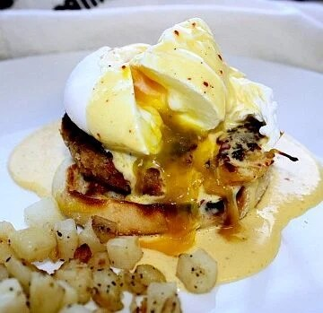 Crab Cakes Eggs Benedict with Spicy Hollandaise Sauce
