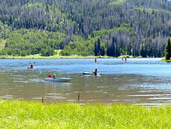 pearl-lake-colorado-boating