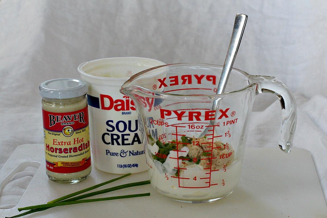 Homemade Creamy Horseradish Sauce for Prime Rib