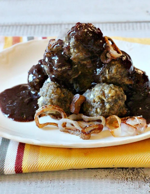 Sauce Bordelaise Mushrooms with Crispy Shallots