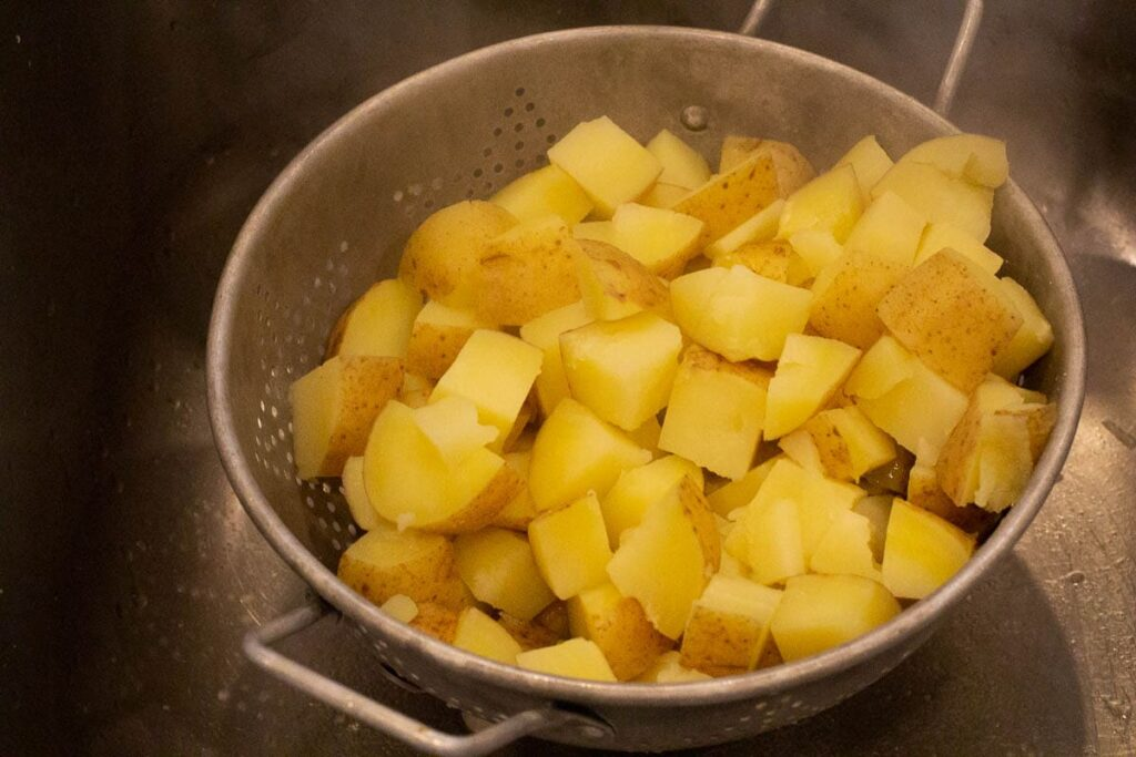 How to boil potatoes for mashed potato casserole