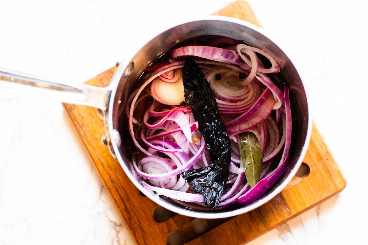 How to make easy pickled red onions