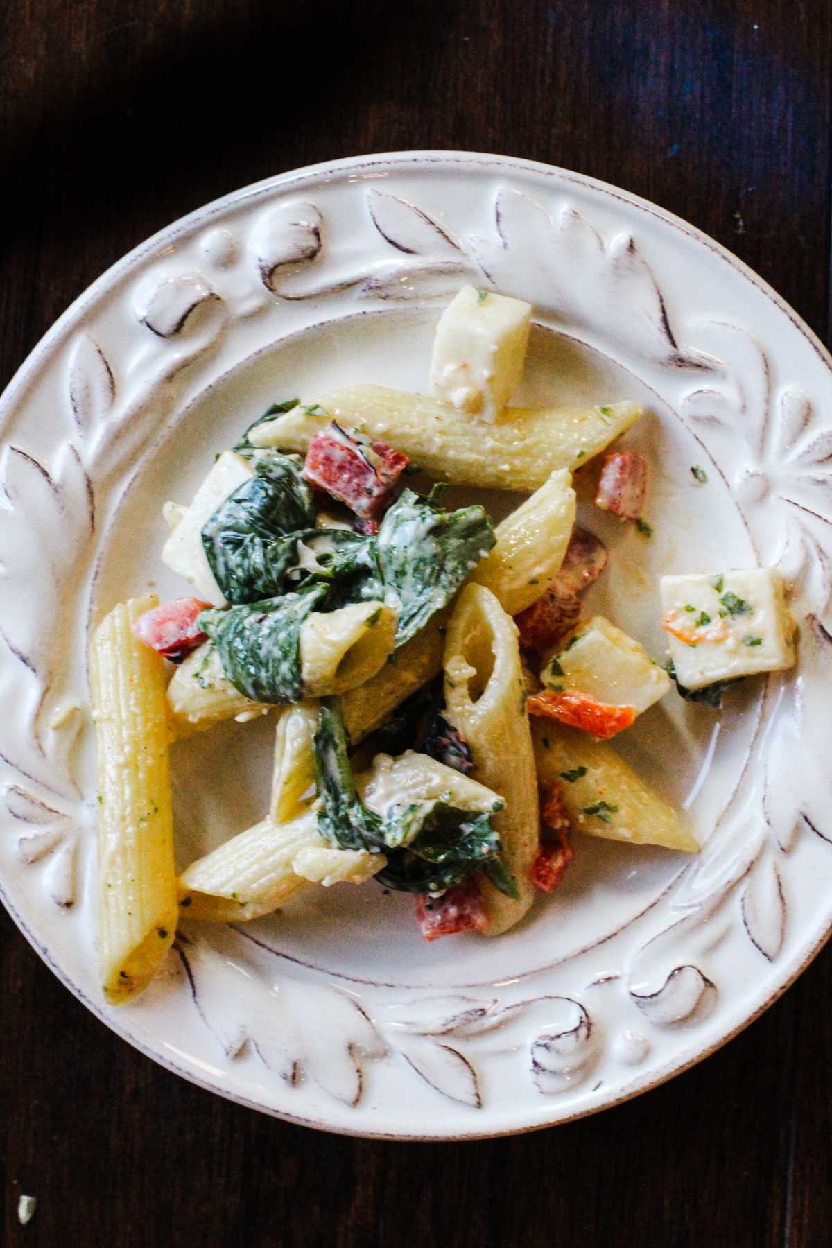 Creamy Smoked Mozzarella Pasta Salad with penne pasta, spinach and roasted red bell pepper