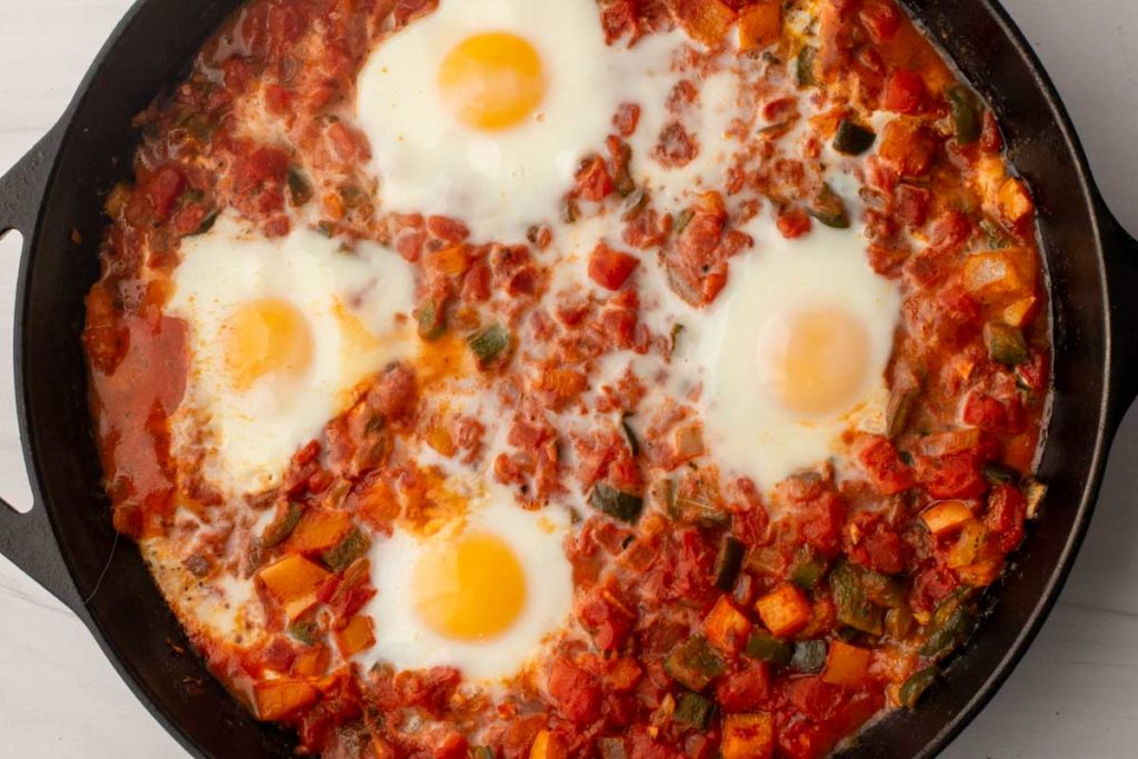 baked eggs in salsa for easy huevos rancheros
