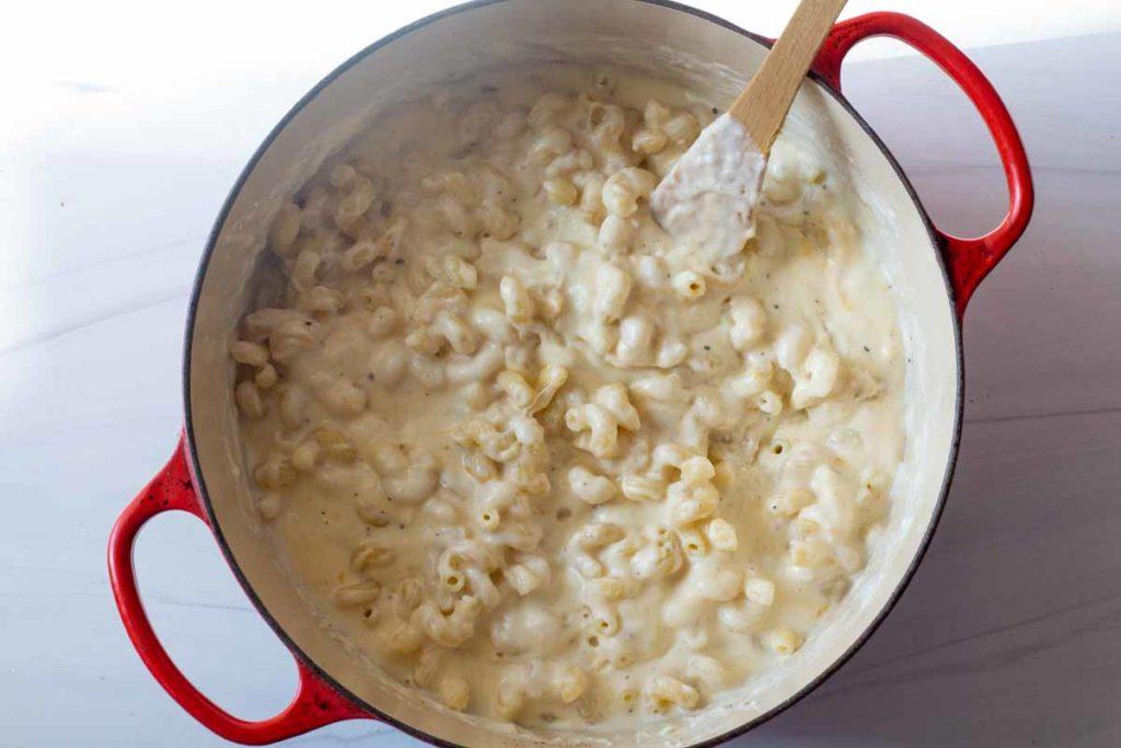 macaroni and cheese with gruyere and cavatappi pasta