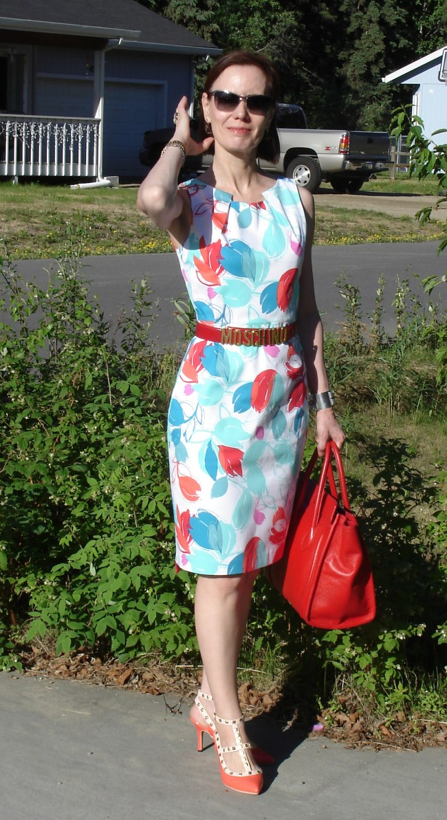 #fashionover40 floral sheath for a dog days work meeting