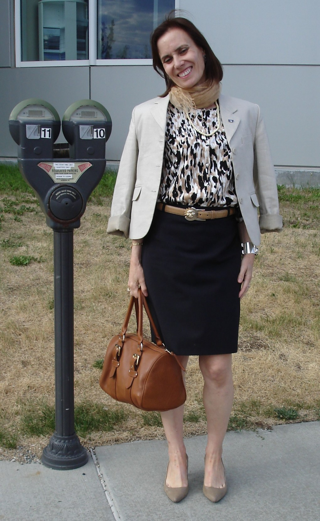 #fashionover50  mature woman in interview outfit