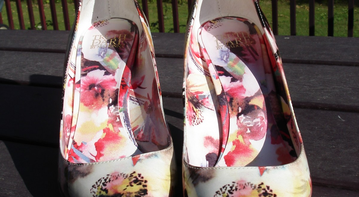 #floralpumps Foral pumps   High Latitude Style   http://www.highlatitudestyle.com