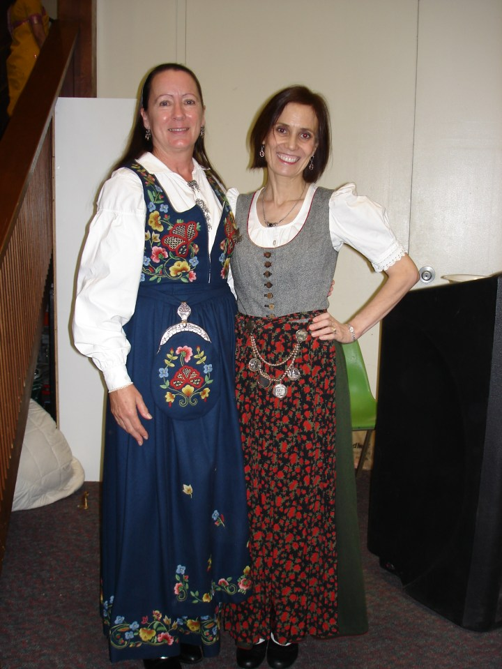#turningFashionIntoStyle women in dirndls of different heritage for a dinning event