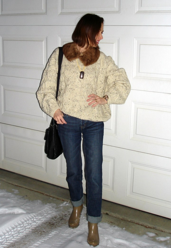 #fashionover40 40+ woman in a casual outfit to go to the cinema