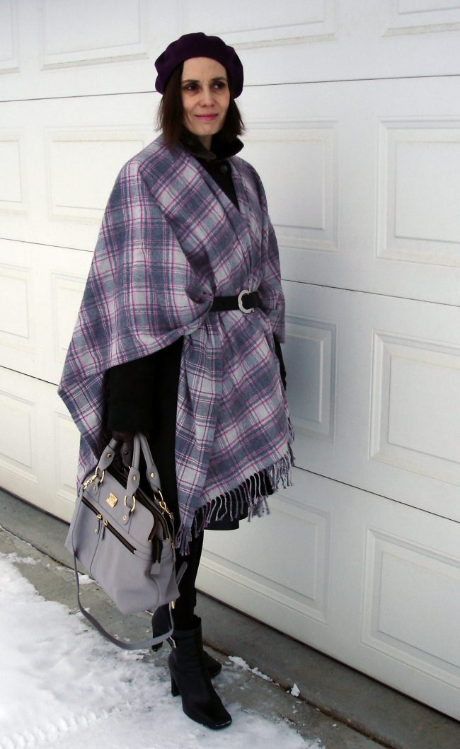 influencer in street style blanket scarf attire