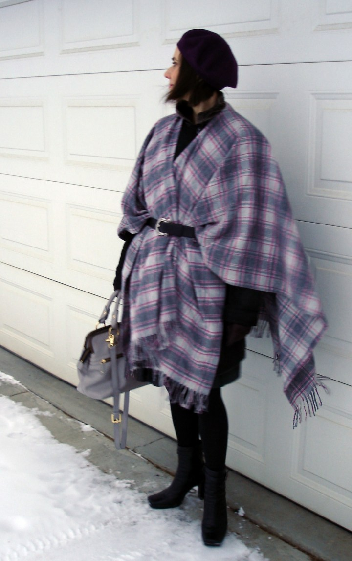 #matureStyle woman wearing a plaid stole