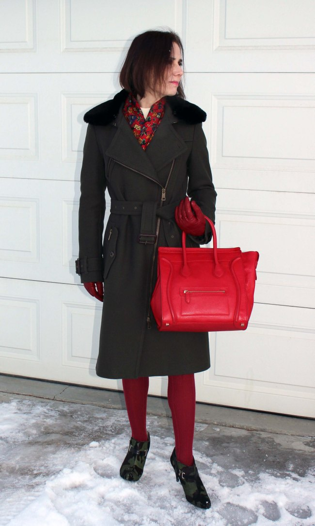 Stylish-outerwear-look-for-women-over-40 | High Latitude Style | http://www.highlatitudestyle.com