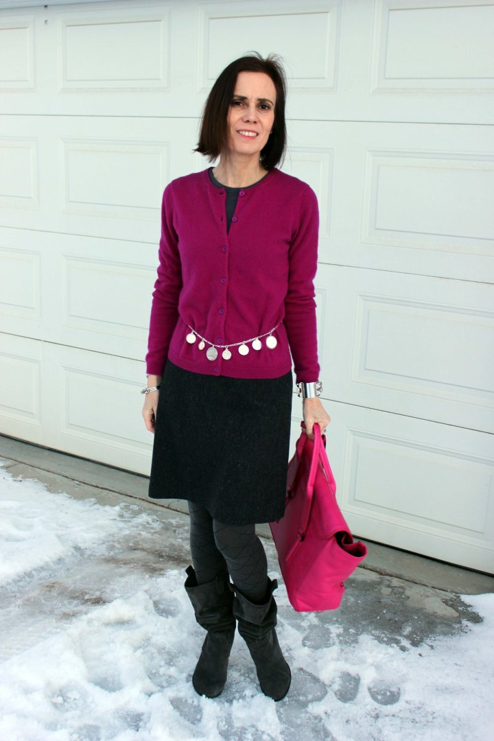 fashion blogger in fuchsia gray work outfit