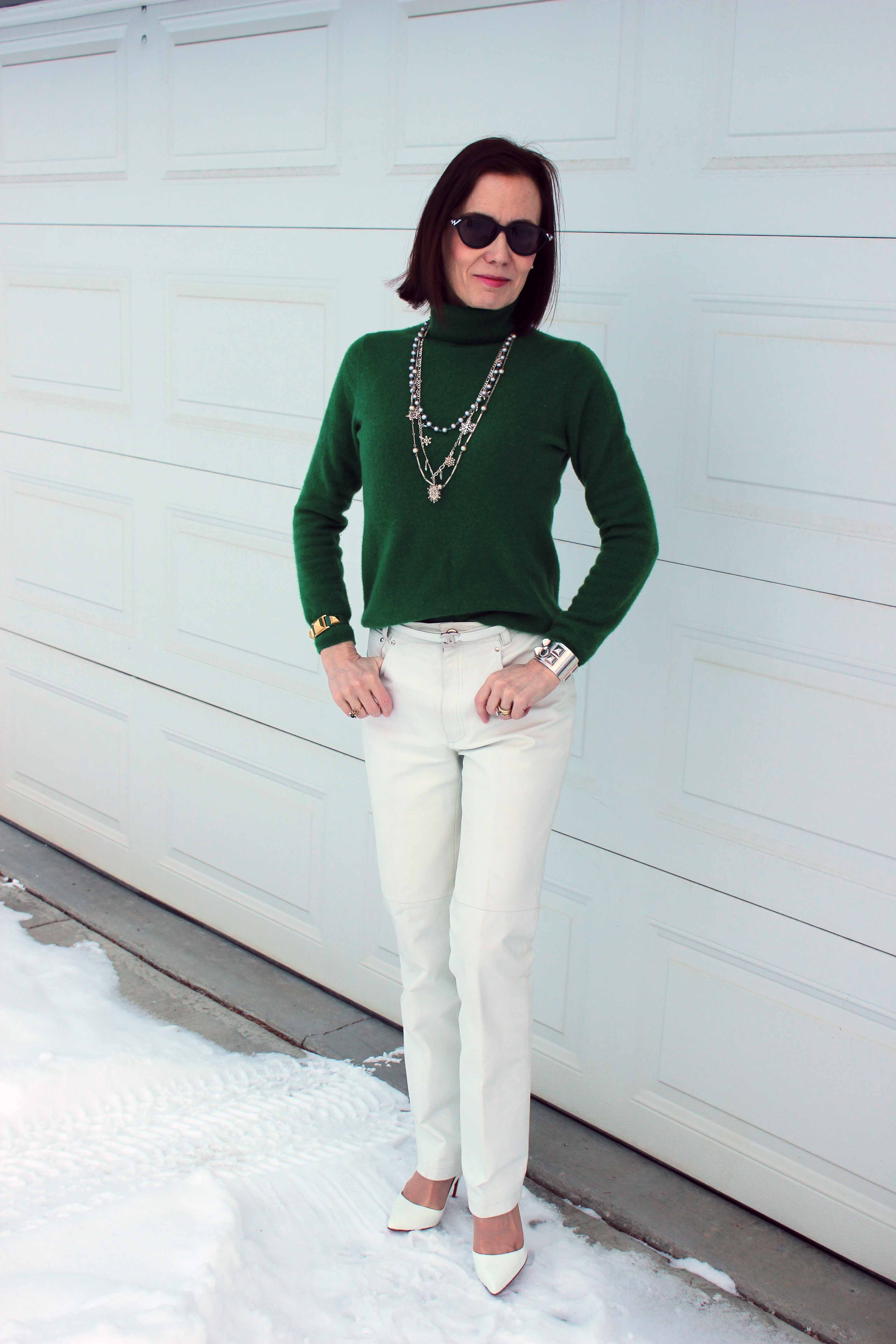 #fashionover40 woman in green and white outfit for a holiday family breakfast