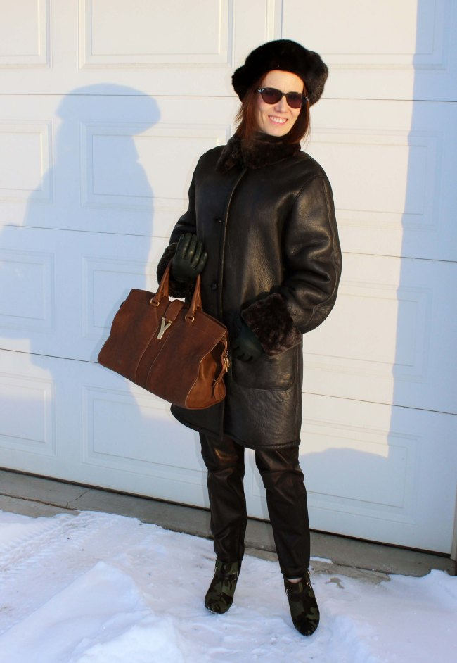 #styleover50 woman in winter outerwear with jogging pants