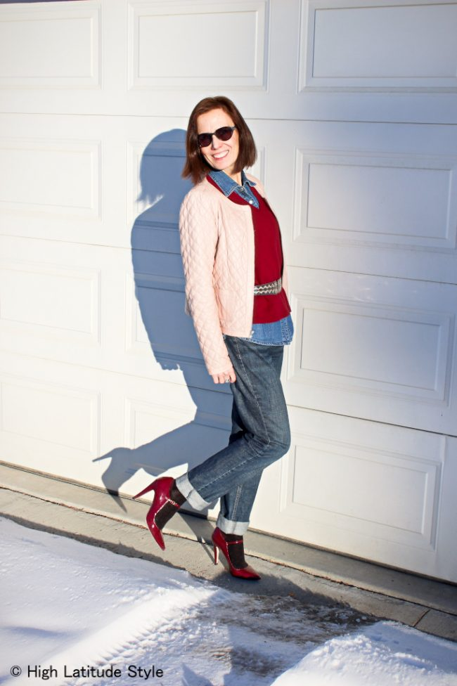 stylye blogger in bf jeans, blush jacket, denim shirt, burgundy pumps sweater