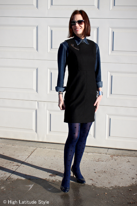 influencer presenting a LBD outfit for work