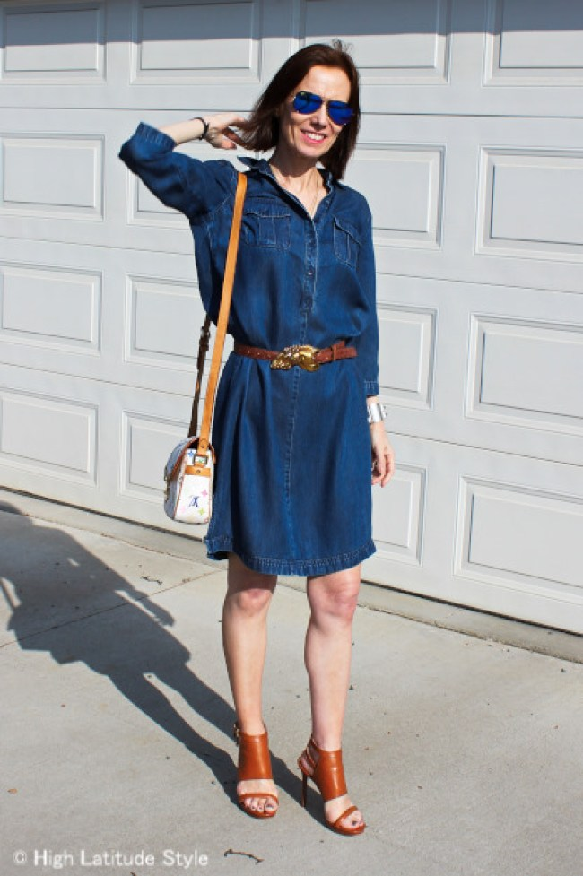 blogger in chambray dress, crazy sandals, and mirrored sunglasses