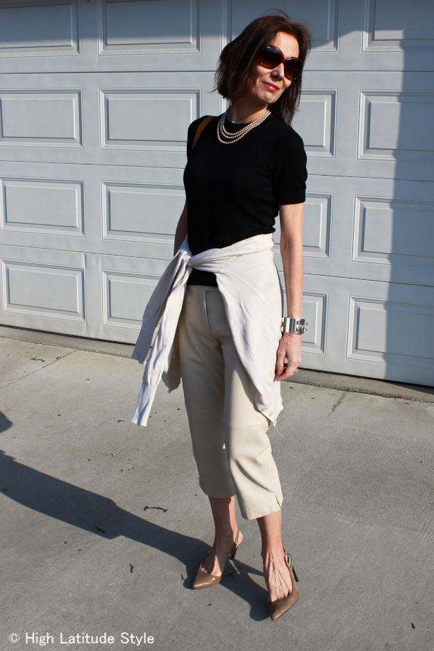 #over40fashion woman in classic American Jackie Kennedy like summer outfit