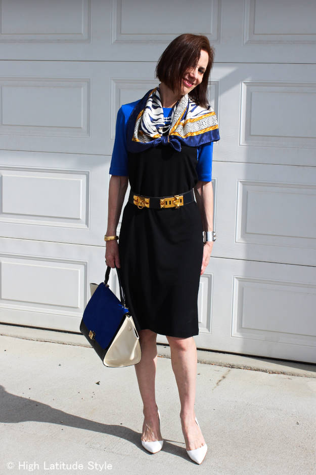 #Maturefashion woman in a Ronen Chen jersey dress wilk pearls and scarf
