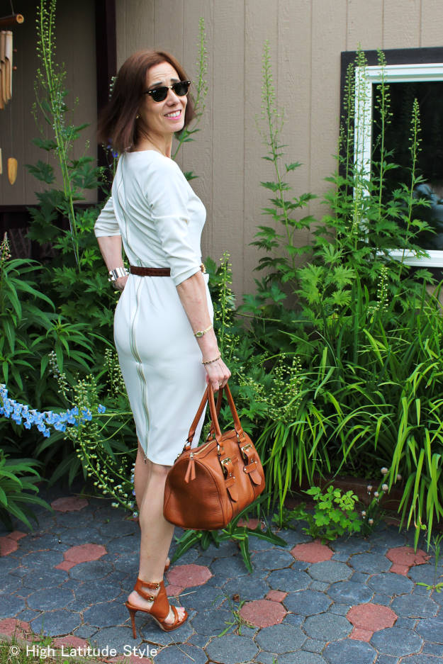 style influencer in a sheath showing how to wear white after Labor Day