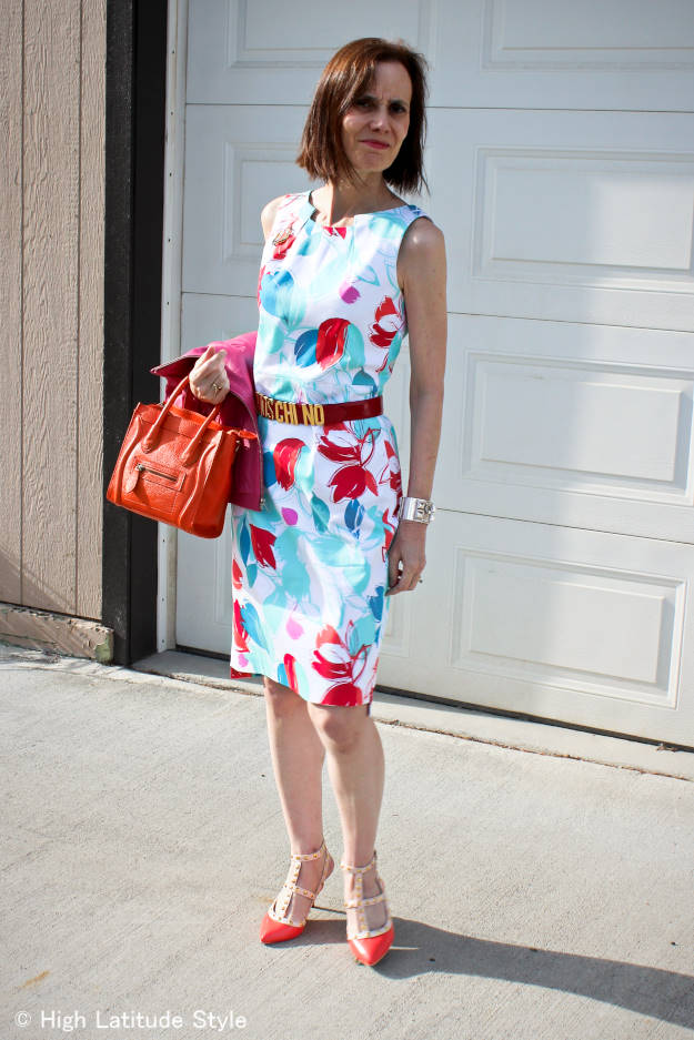 over 50 years old fashion blogger in floral sheath dress