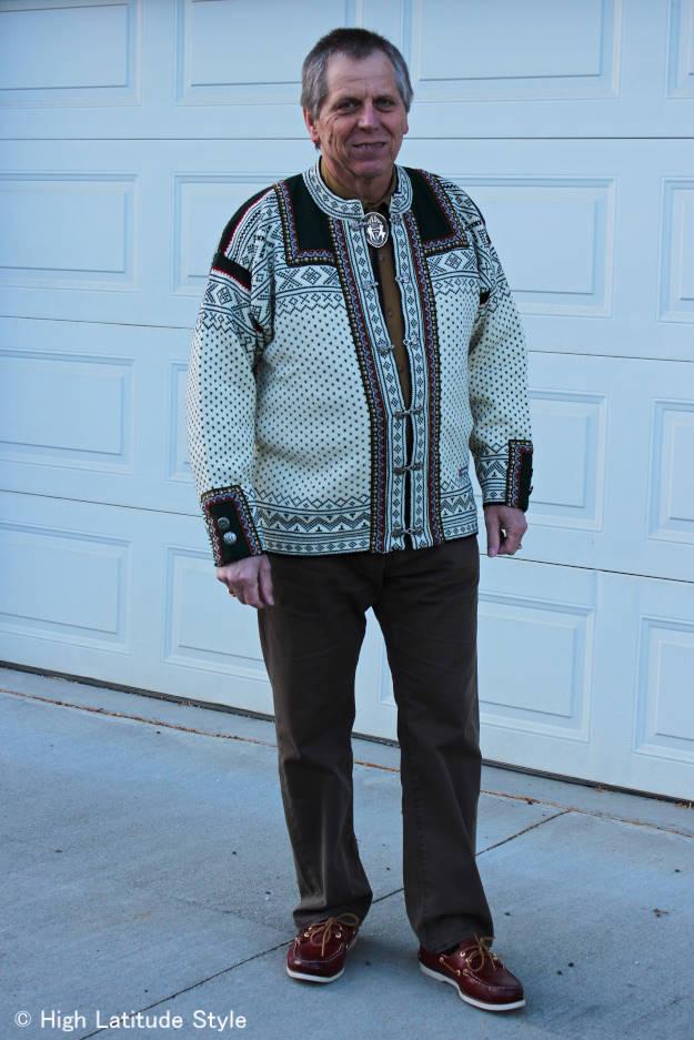 men wearing a lice jacket in style