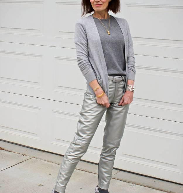 #HighLatitudeStyle #streetstyle #casual #silverpants http://wp.me/p3FTnC-2xe