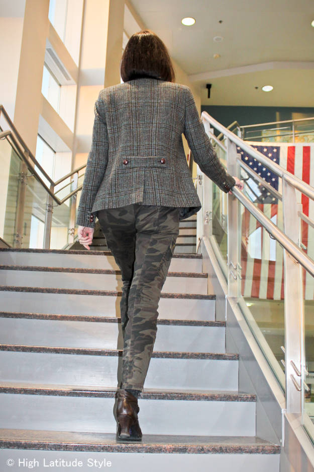 #fashionover40 Camouflage pants with plaid blazer