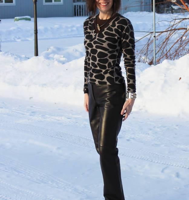 #fashionover40 #fashionover50 How to wear animal print over 40: example giraffe print @ High Latitude Style @ http://www.highlatitudestyle.com