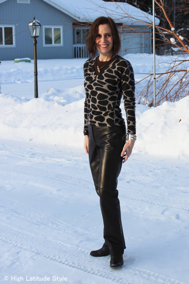 #fashionover50 woman in well fitting work outfit