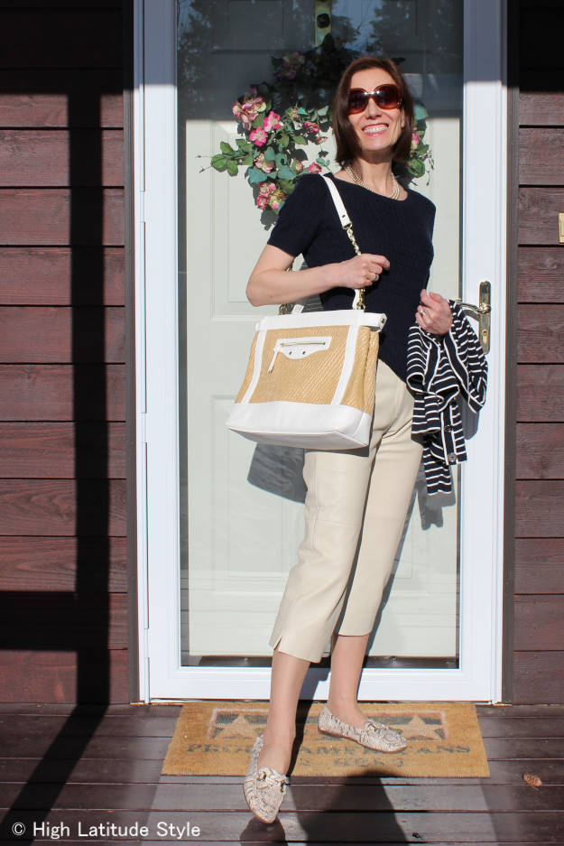 #styleover40 shoulder tote styled for the weekend