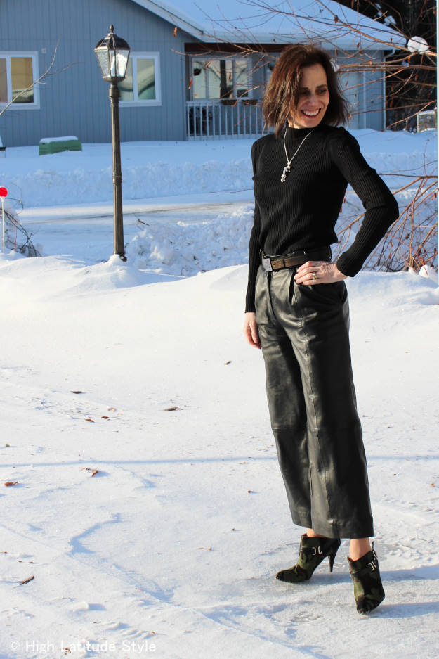 #over40fashion travel outfit with culottes