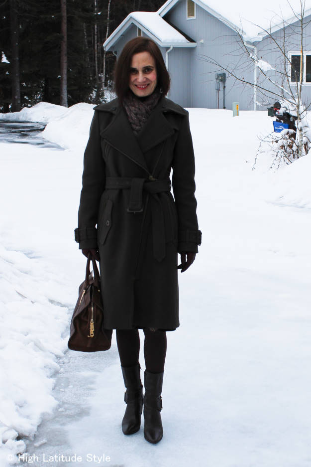 #advancedstyle mature fashionista in a Burberry coat street style look