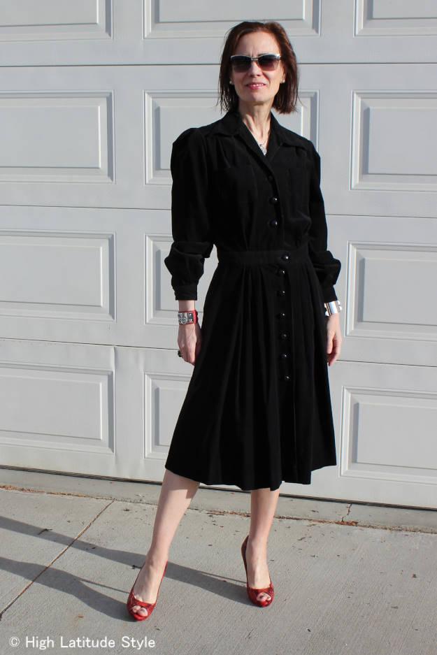 robe in retro style for non-bridal party invitees