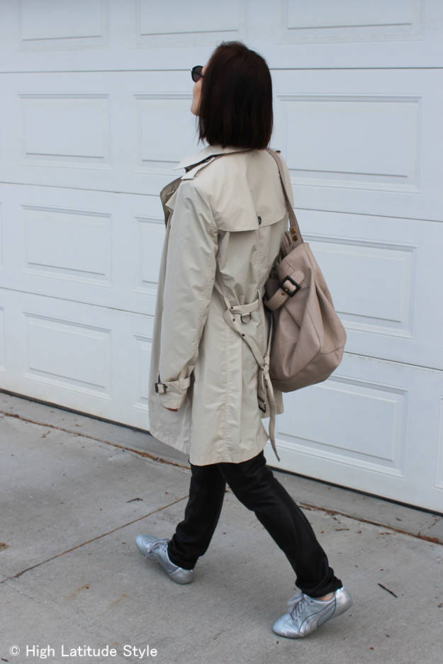 #fashionover40 #fashionafterfifty woman wearing a polished weekend look with slim trendy sport shoes made for an urban look