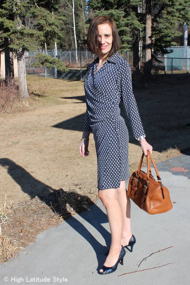 #midlifestyle woman in a Samantha Brown wrap dress
