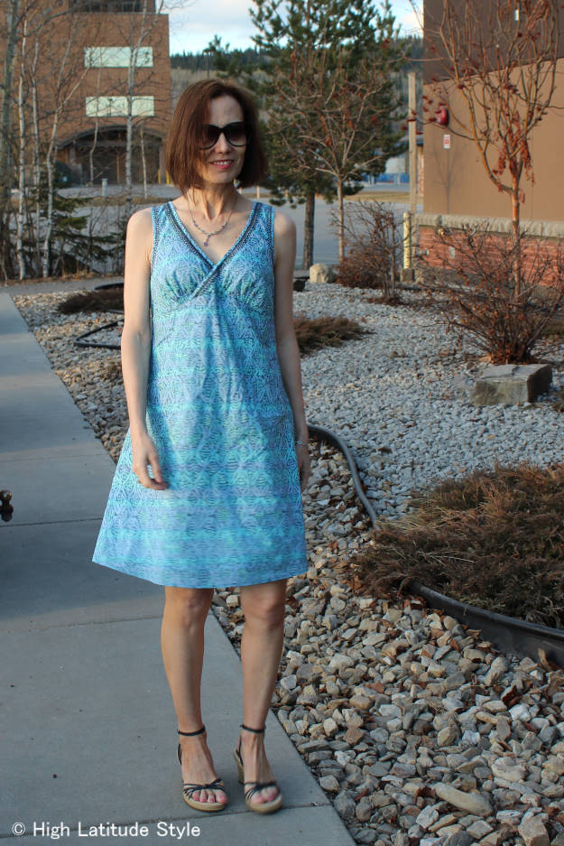 over 50 years old fashion blogger in Sigrid Olsen designer shift dress for women over 40