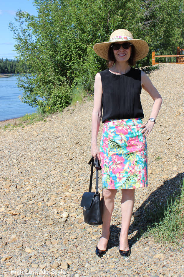 #over40fashion #over50fashion summer outfit with floral skirt and ht