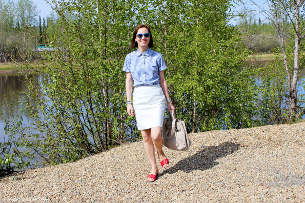 #Vionic #fashionover40 women in red-white-blue summer look on a river bank in Alaska