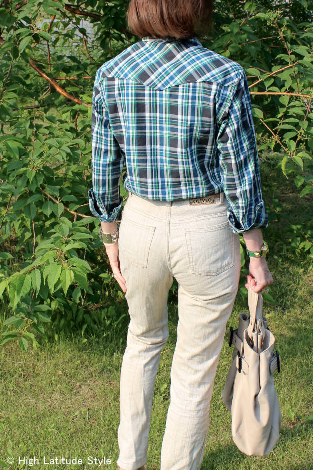 #fashionover40 #fashionover50 mature style blogger in plaid shirt with linen pants