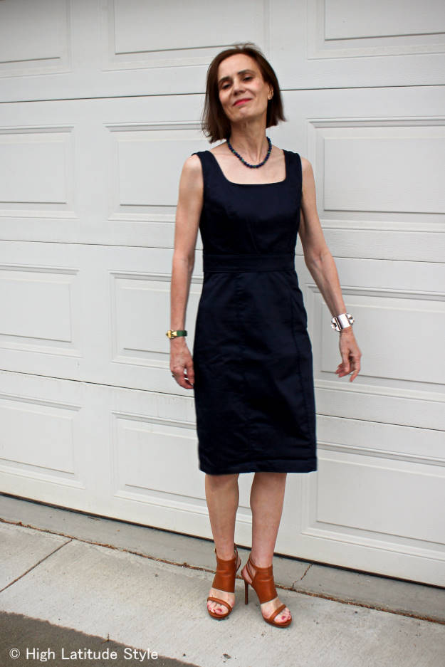 Nicole of High Latitude Style donning posh summerstyle with a navy sheath dress
