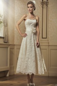#AisleStyle What to wear to a Black Tie wedding: bride dress | High Latitude Style | http://www.highlatitudestyle.com