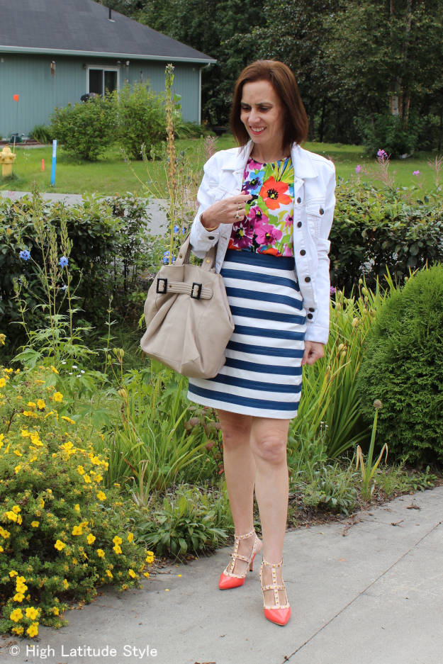 #fashionover40 #fashionover50 woman in summer to fall outfit