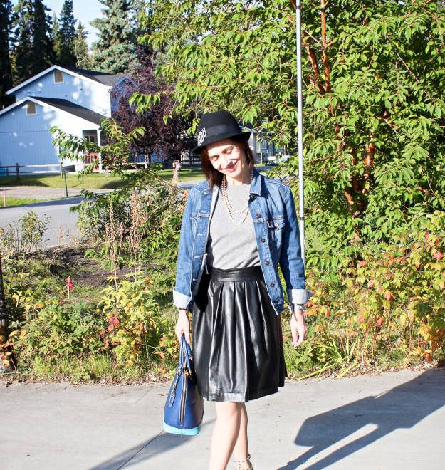 #fashionover40 #fashionover50 outfit in Fairbanks streetstyle in Focus Alaska a series on Alaska lifestyle and curisosa with #travel tips - every Monday on High Latitude Style @ http://www.highlatitudestyle.com