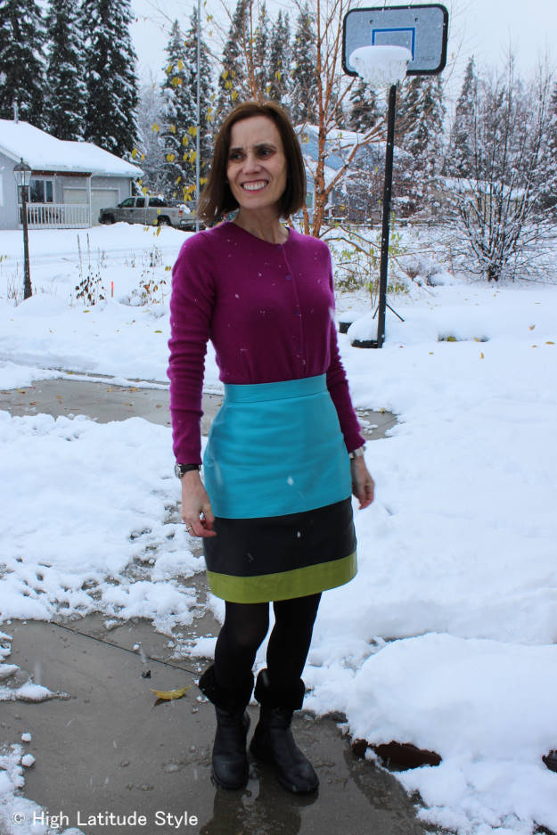 #fashionover50 midlife woman in chic outfit in the snow