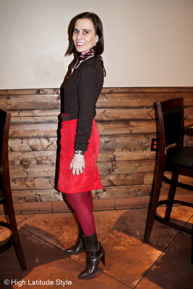stylist in red-brown work outfit